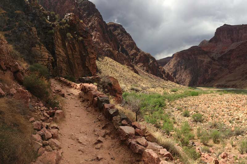 grand-canyon-river-trail